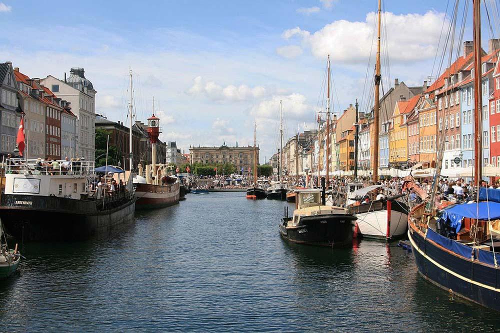 Что в столице дании копенгагене напоменет осказке андерсона